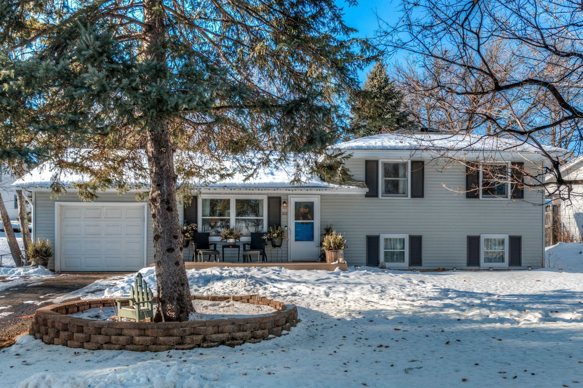Photo of 301 Pinewood Drive, Apple Valley, MN 55124 (MLS # 5699033)