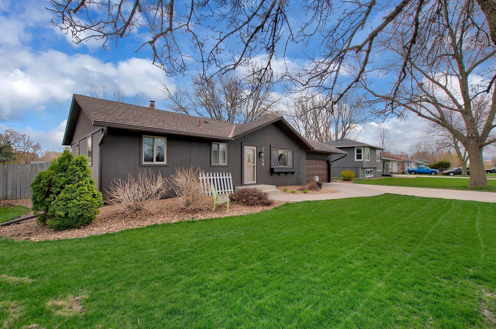Photo of 16154 Flagstaff Avenue W, Lakeville, MN 55068 (MLS # 5743064)