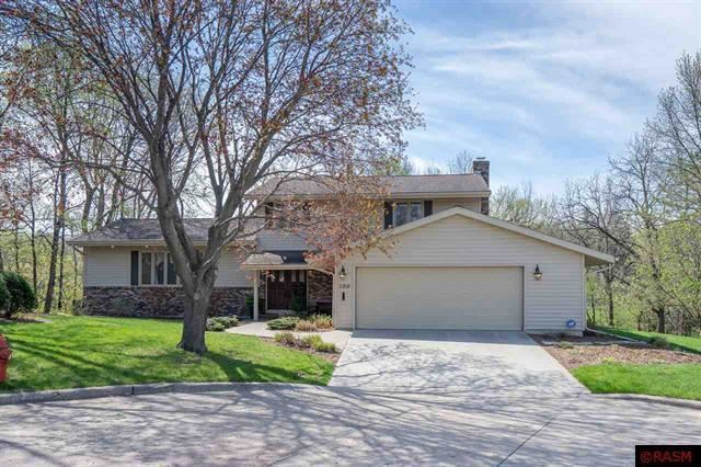 Photo for 100 Oakwood Drive, Mankato, MN 56001 (MLS # 5616084)