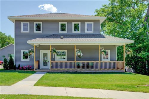 Photo of 178 Wheelock Parkway W, Saint Paul, MN 55117 (MLS # 5434093)