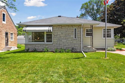 Photo of 1592 Hamline Avenue N, Saint Paul, MN 55108 (MLS # 5576111)