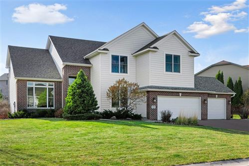 Photo of 7657 Ridgeview Way, Chanhassen, MN 55317 (MLS # 5685116)