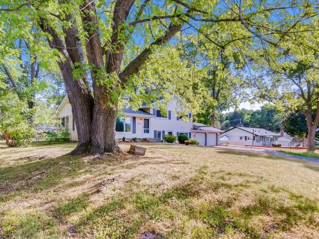 Photo of 15711 Eden Drive N, Eden Prairie, MN 55346 (MLS # 5739125)