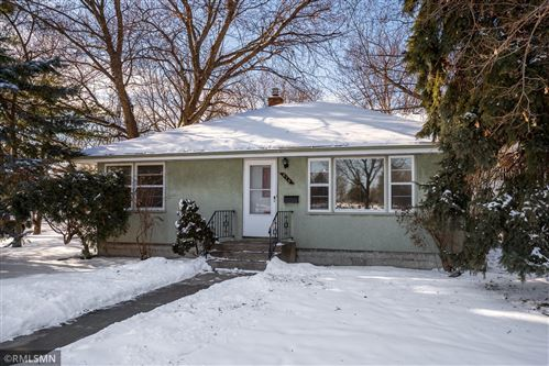 Photo of 875 Chatsworth Street N, Saint Paul, MN 55103 (MLS # 5696130)