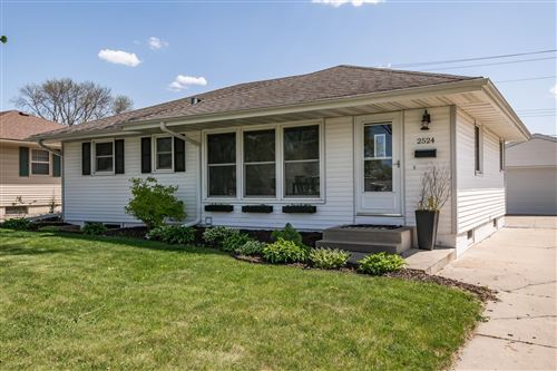 Photo of 2524 11th Avenue NW, Rochester, MN 55901 (MLS # 5756138)