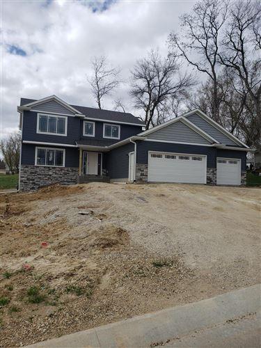 Photo of 878 Delrose Lane SW, Rochester, MN 55902 (MLS # 5711167)