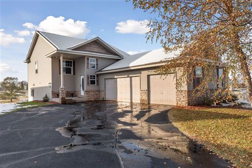 Photo of 800 Winsome Way NW, Isanti, MN 55040 (MLS # 5675172)