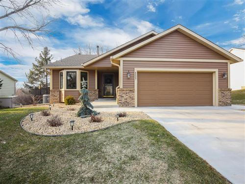 Photo of 4527 Whitetail Way, Eagan, MN 55123 (MLS # 5720175)