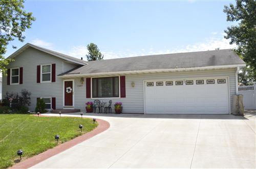 Photo of 15447 Drexel Way, Apple Valley, MN 55124 (MLS # 5619178)