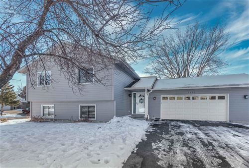 Photo of 7050 Upper 157th Street W, Apple Valley, MN 55124 (MLS # 5700180)