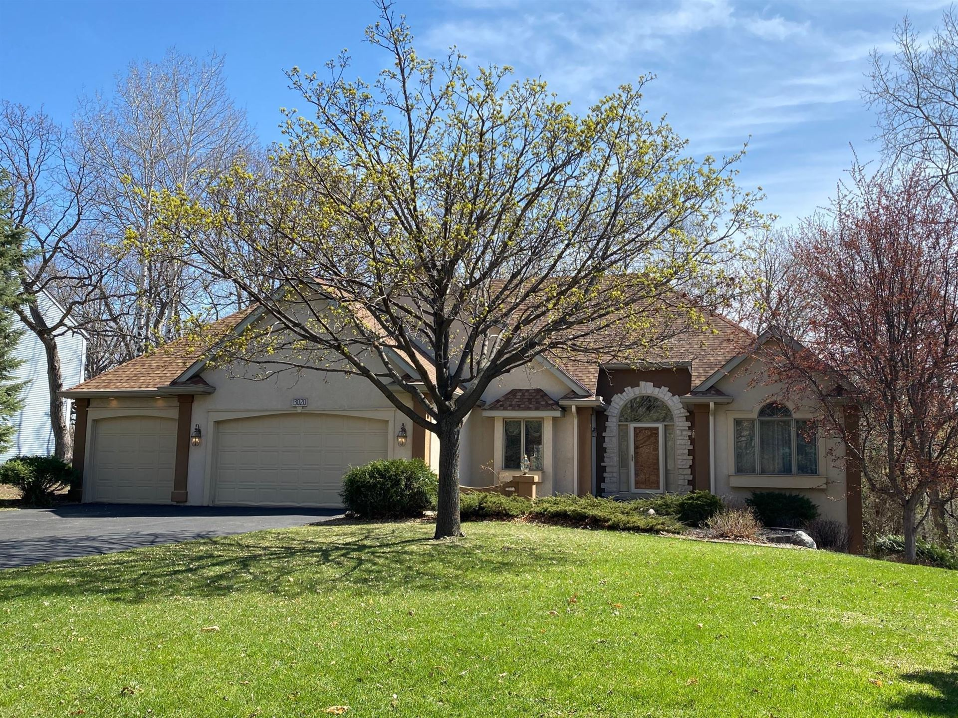 Photo of 13020 Hershey Way, Apple Valley, MN 55124 (MLS # 5742212)