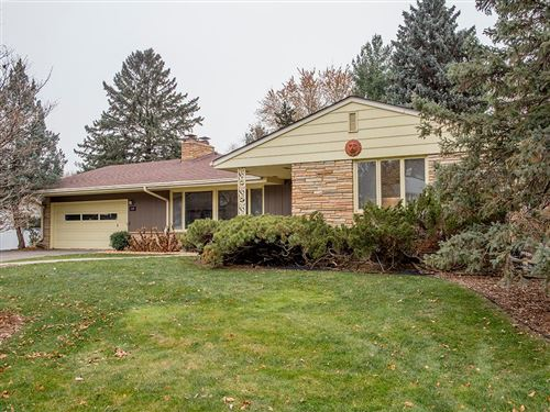 Photo of 2281 Laurie Road W, Roseville, MN 55113 (MLS # 5290225)