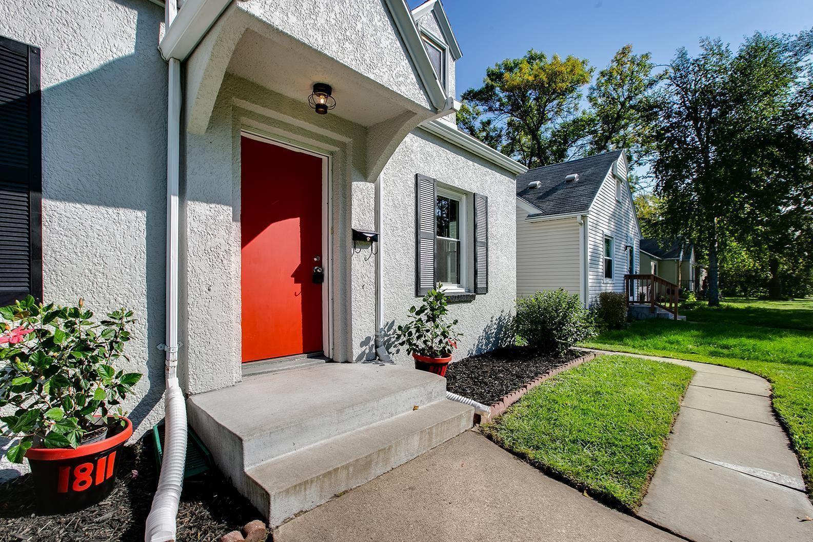 Photo of 1811 Bush Avenue E, Saint Paul, MN 55119 (MLS # 6102238)