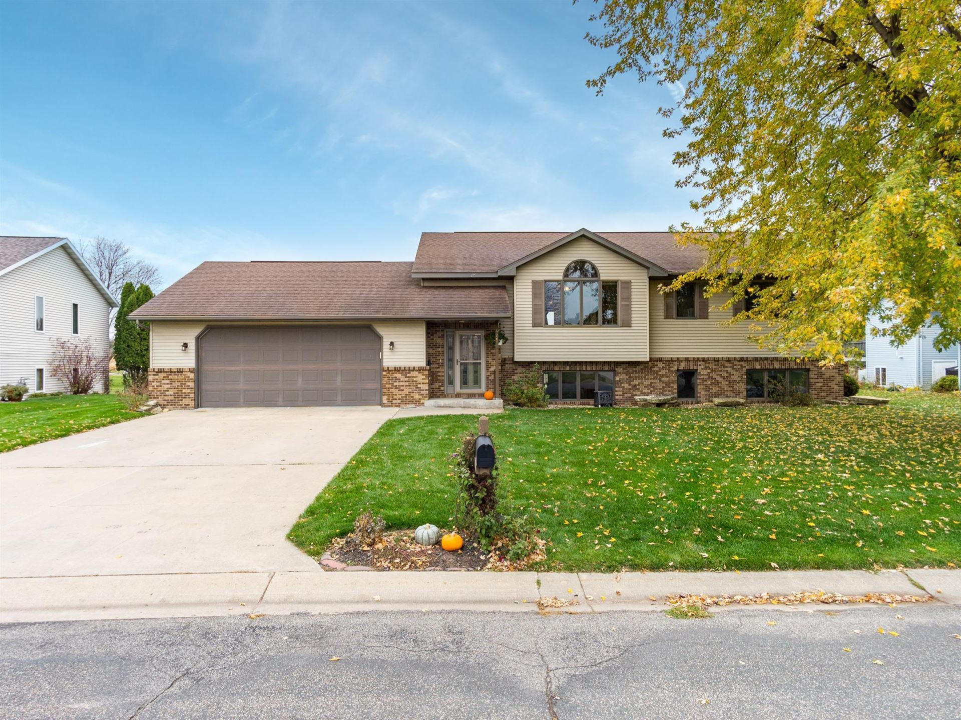 425 Meadowview Drive, Saint Charles, MN 55972 - MLS#: 5676250