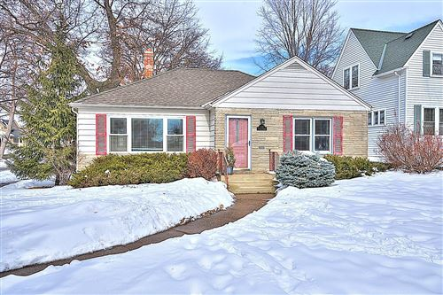 Photo of 1125 St Clair Avenue, Saint Paul, MN 55105 (MLS # 5716285)