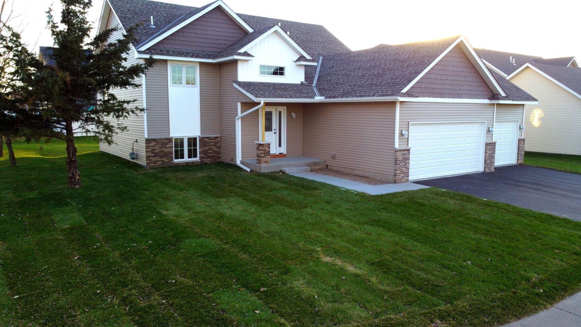 Photo of 1140 Pierce Path NE, East Bethel, MN 55005 (MLS # 6107298)
