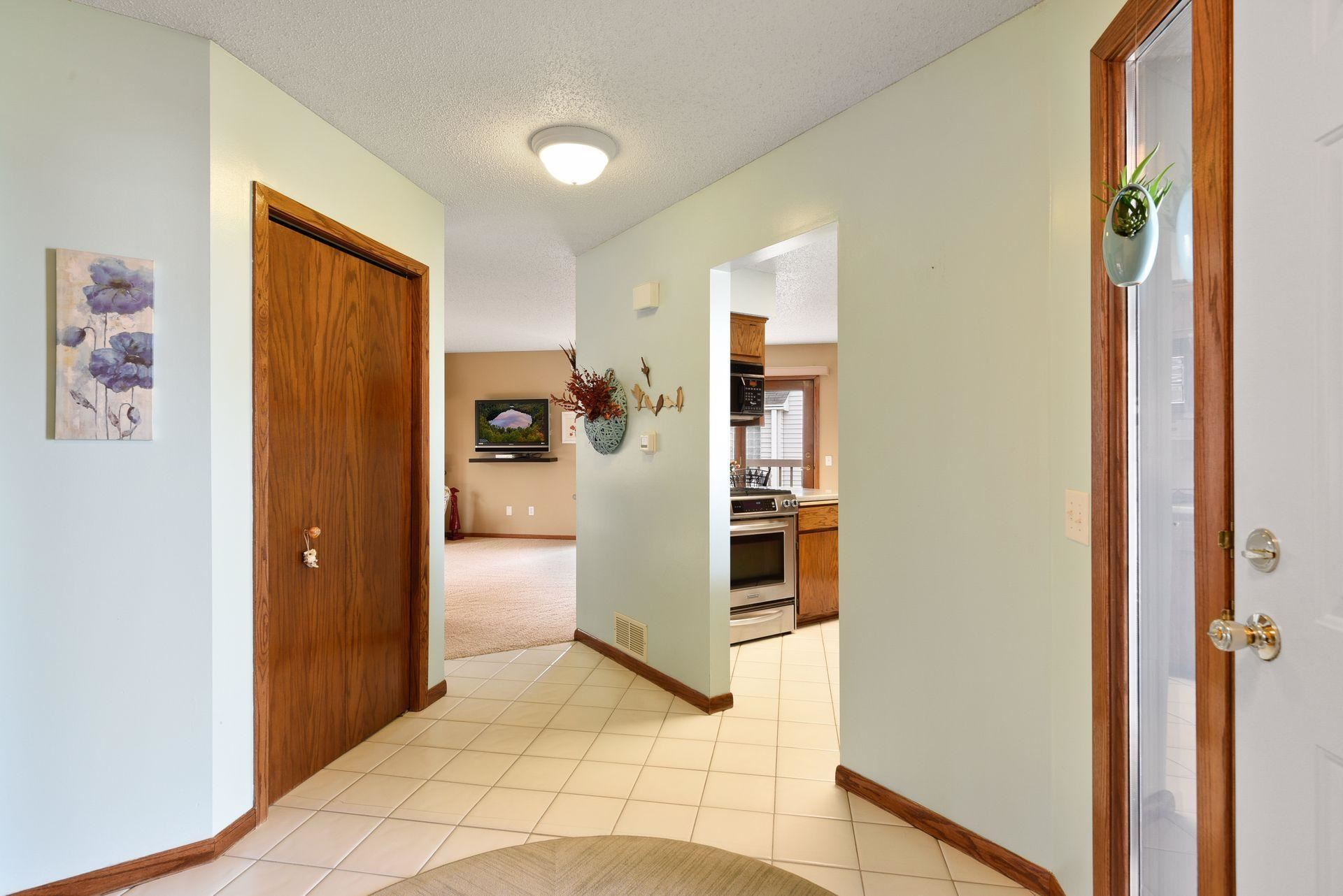 Photo of 13130 Fordham Court, Apple Valley, MN 55124 (MLS # 5742303)