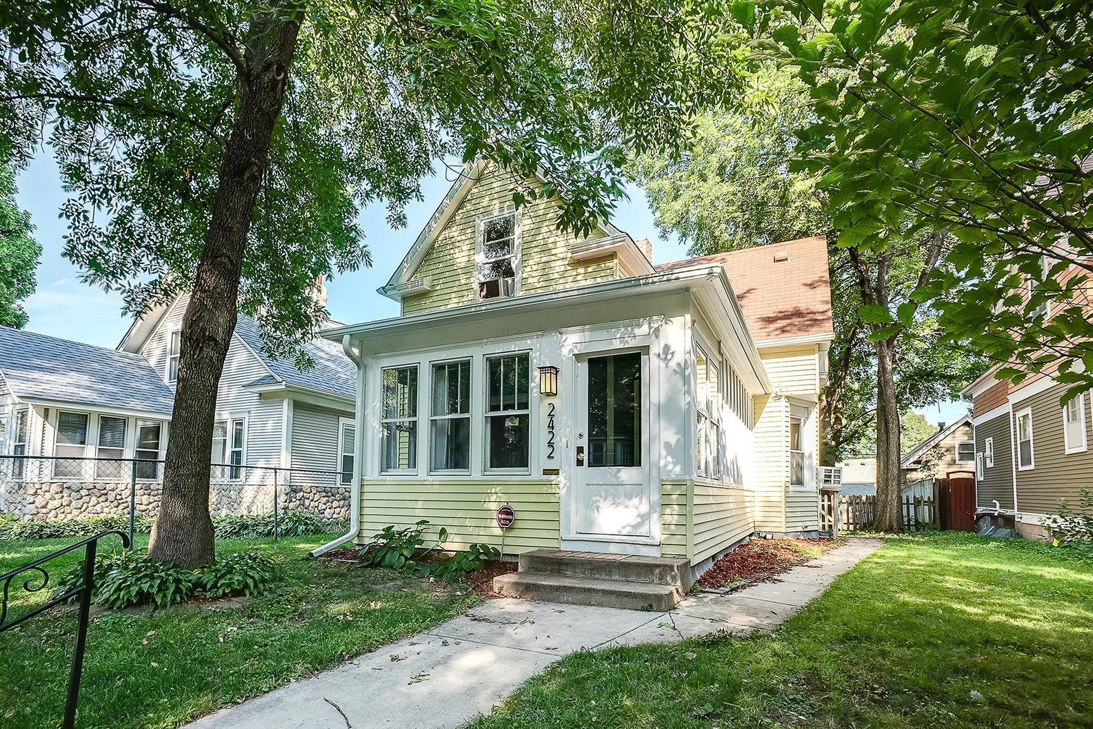 2422 Upton Avenue N, Minneapolis, MN 55411 - MLS#: 5621308