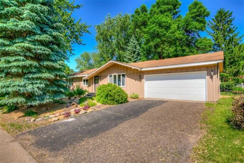 Photo of 2922 McKnight Road N, Maplewood, MN 55109 (MLS # 5581328)