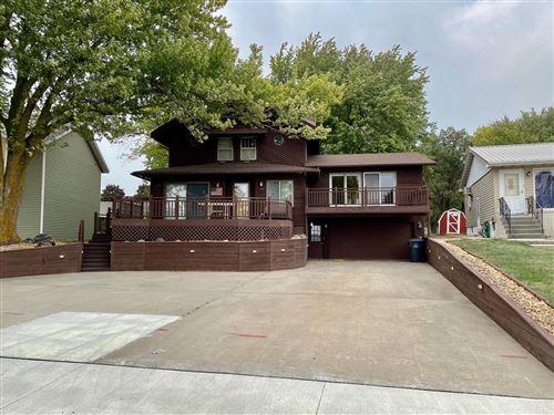 Photo of 506 W Lake Avenue, Worthington, MN 56187 (MLS # 5659336)