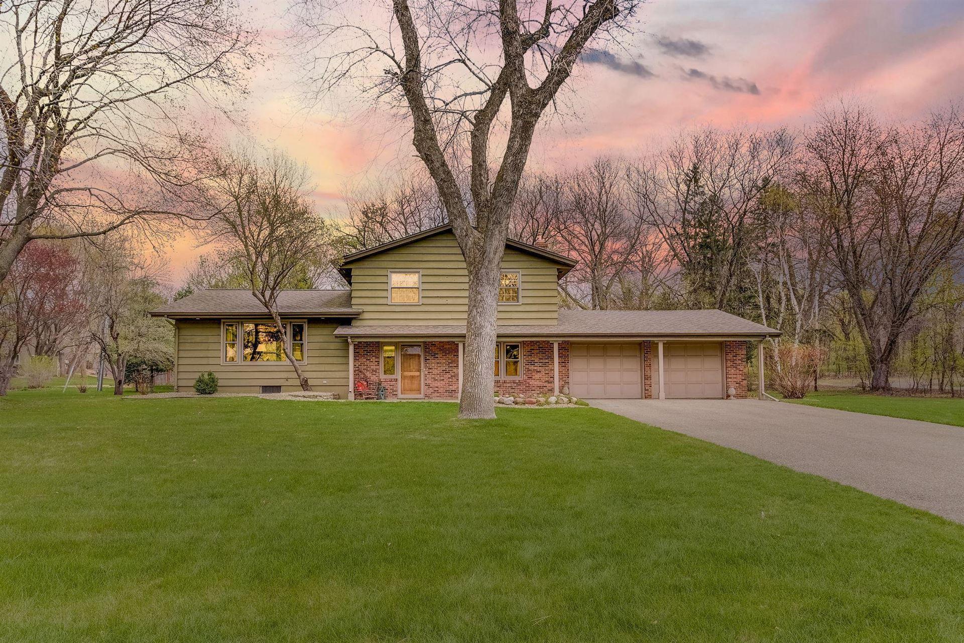 Photo of 6110 Northwood Ridge, Bloomington, MN 55438 (MLS # 5743341)