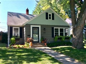 Photo of 2014 Pinehurst Avenue, Saint Paul, MN 55116 (MLS # 4991358)