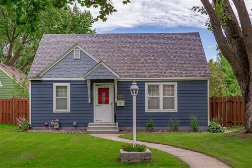 Photo of 213 16th Avenue N, Hopkins, MN 55343 (MLS # 5652360)