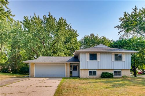 Photo of 5665 138th Street Court W, Apple Valley, MN 55124 (MLS # 6021374)