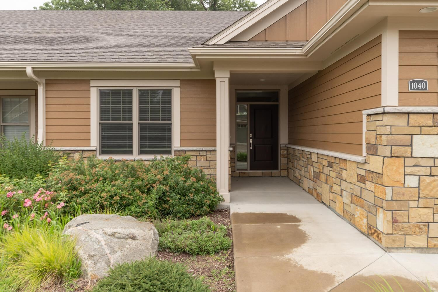 Photo of 1040 Fox Valley Place SW, Rochester, MN 55902 (MLS # 6073375)