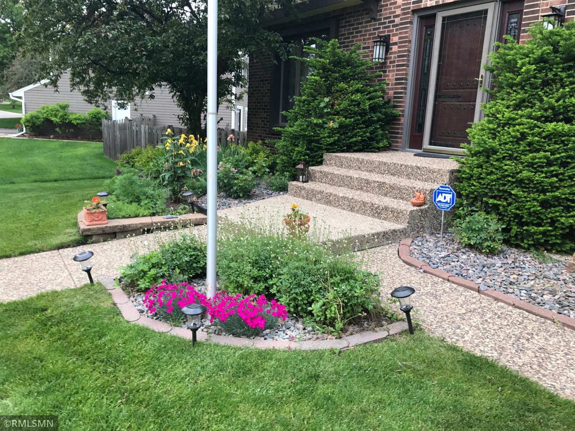 Photo of 1839 Rolling Green Curve, Mendota Heights, MN 55118 (MLS # 6103407)