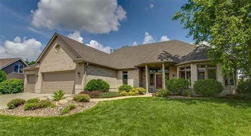 Photo of 567 Owasso Hills Drive, Roseville, MN 55113 (MLS # 5742424)
