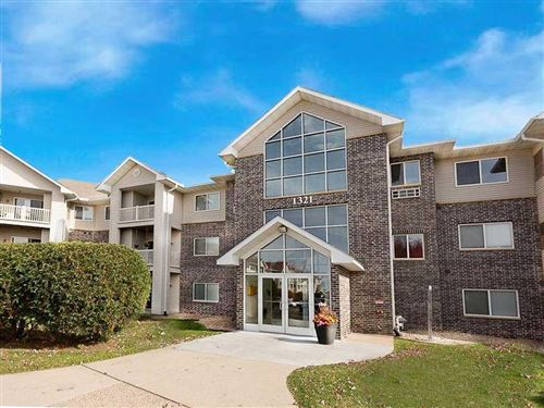 Photo of 1321 Lake Drive W #218, Chanhassen, MN 55317 (MLS # 5679427)