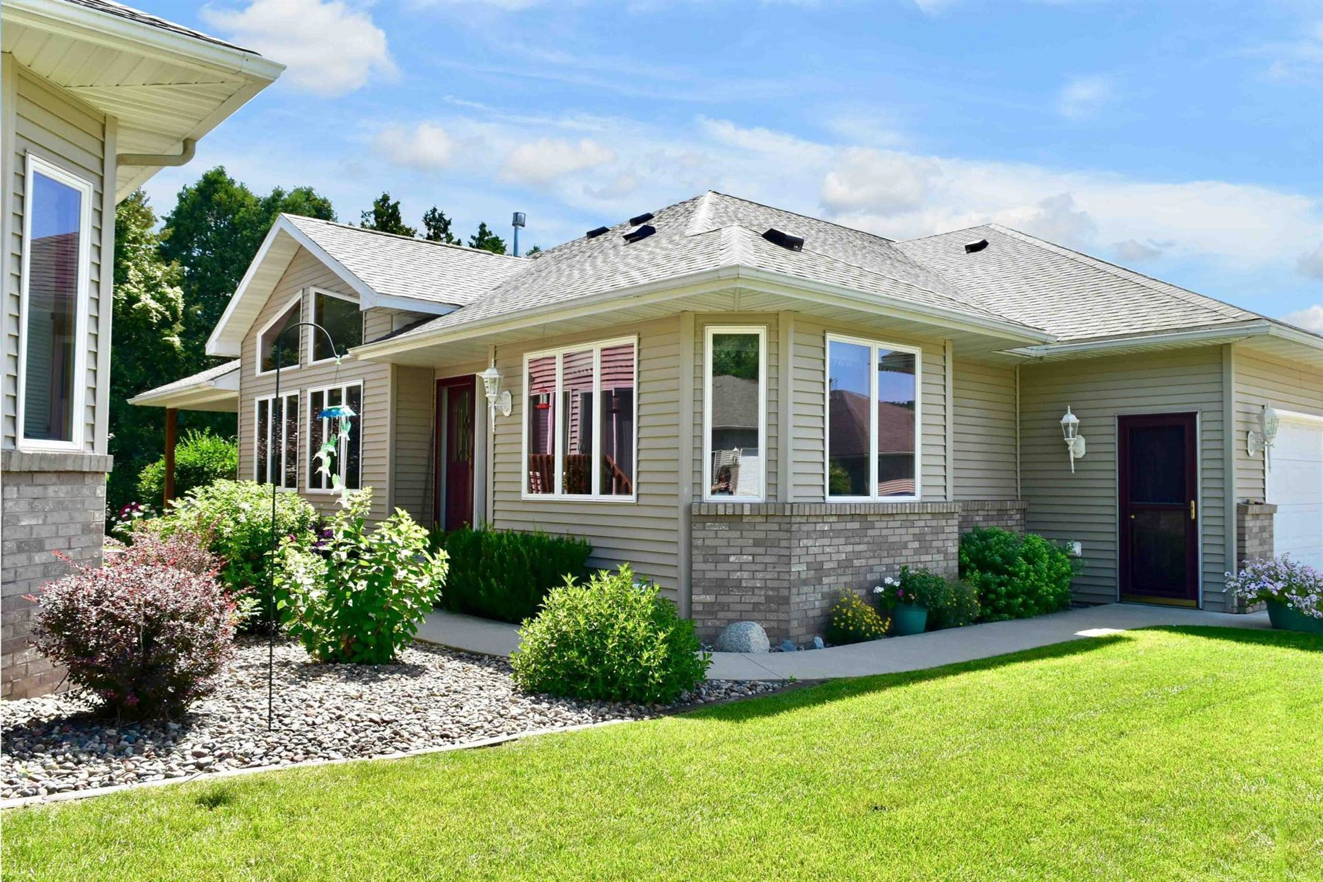 110 Whispering Lane, Winona, MN 55987 - MLS#: 5632473