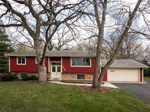 Photo of 9988 Oak Shore Drive, Lakeville, MN 55044 (MLS # 5730481)