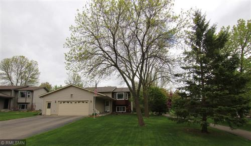 Photo of 629 Dresden Drive, Chaska, MN 55318 (MLS # 5567496)