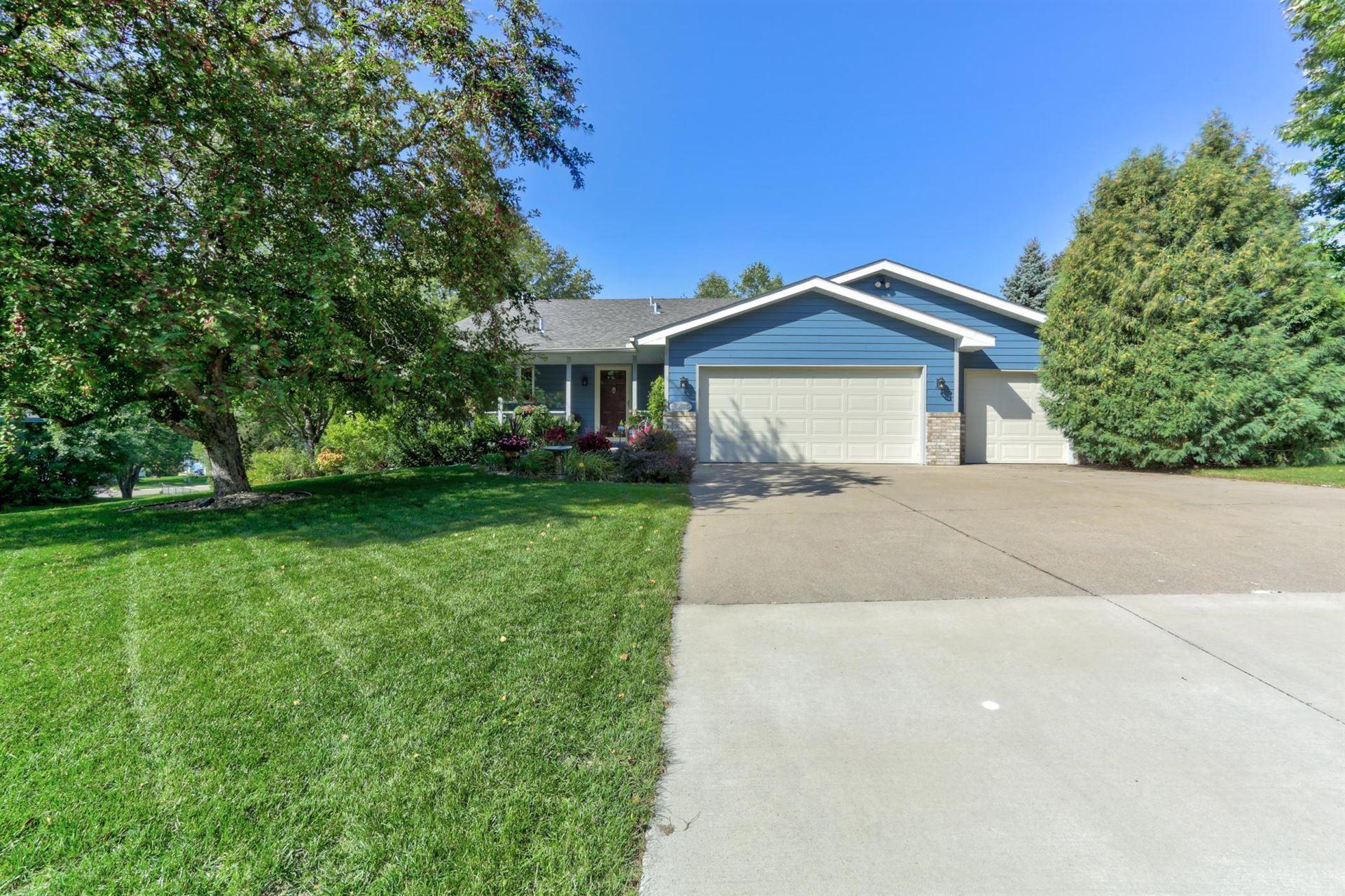 Photo of 16475 Hallmark Path, Lakeville, MN 55044 (MLS # 6104498)