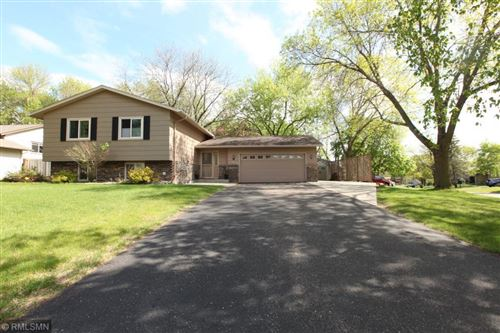 Photo of 1040 Robinhood Place, Shoreview, MN 55126 (MLS # 5569501)