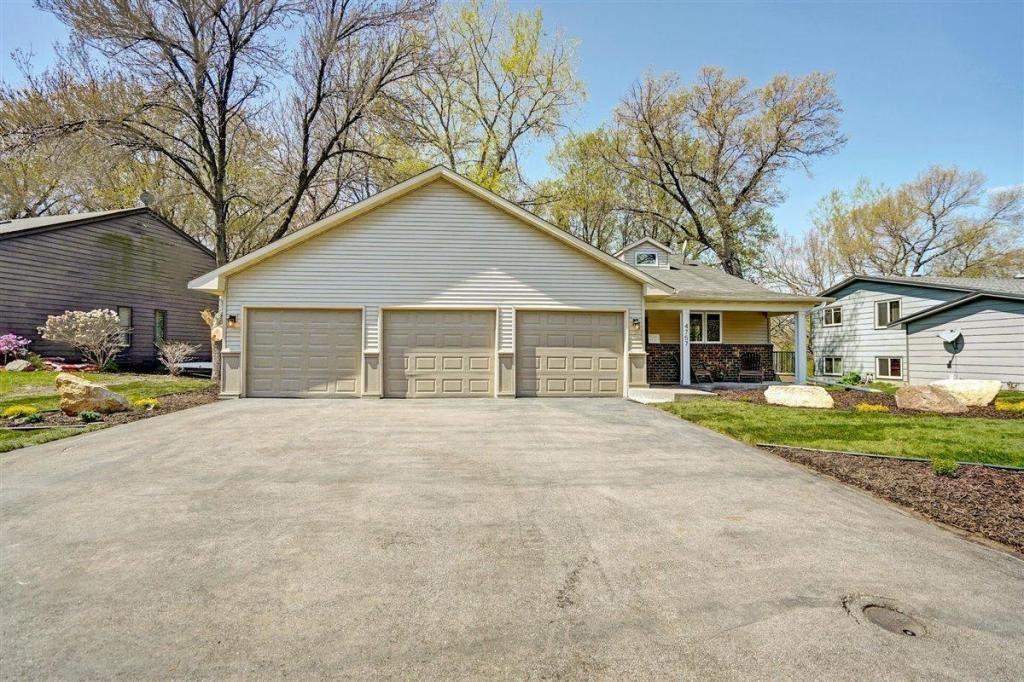 Photo of 4757 Oak Way, Eagan, MN 55122 (MLS # 5758503)