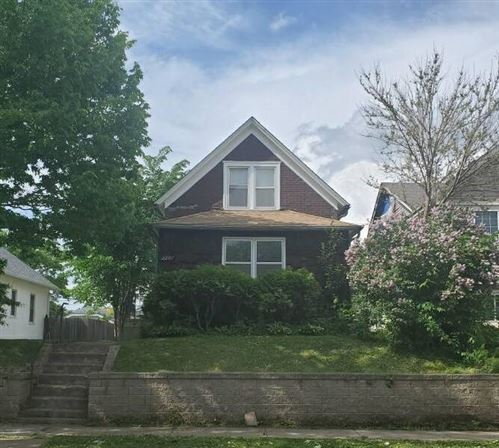 Photo of 1201 Cook Avenue E, Saint Paul, MN 55106 (MLS # 5571508)