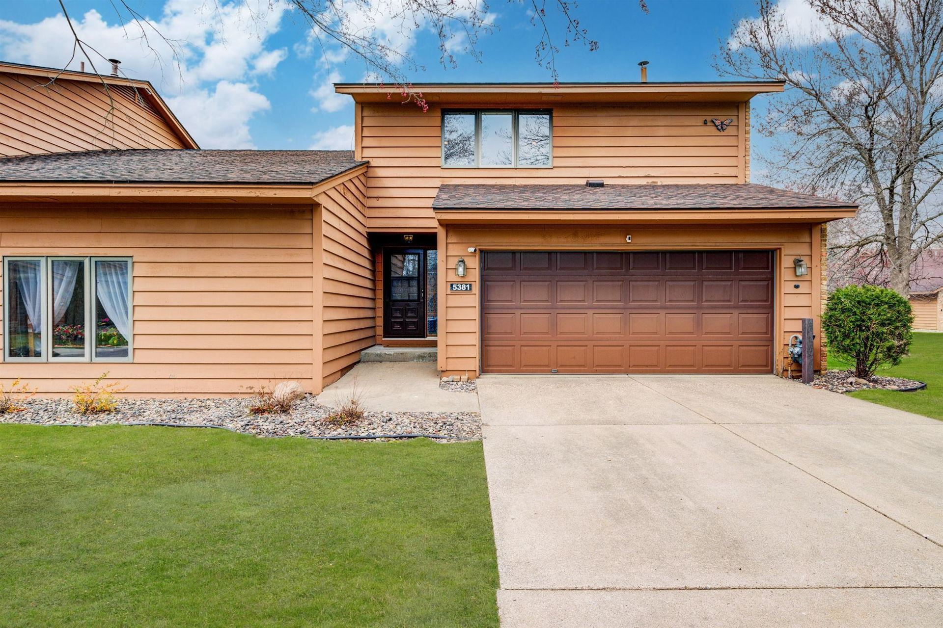 Photo of 5381 Upper 147th Street W, Apple Valley, MN 55124 (MLS # 5740514)