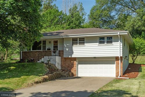 Photo of 2205 Unity Avenue N, Golden Valley, MN 55422 (MLS # 6001541)