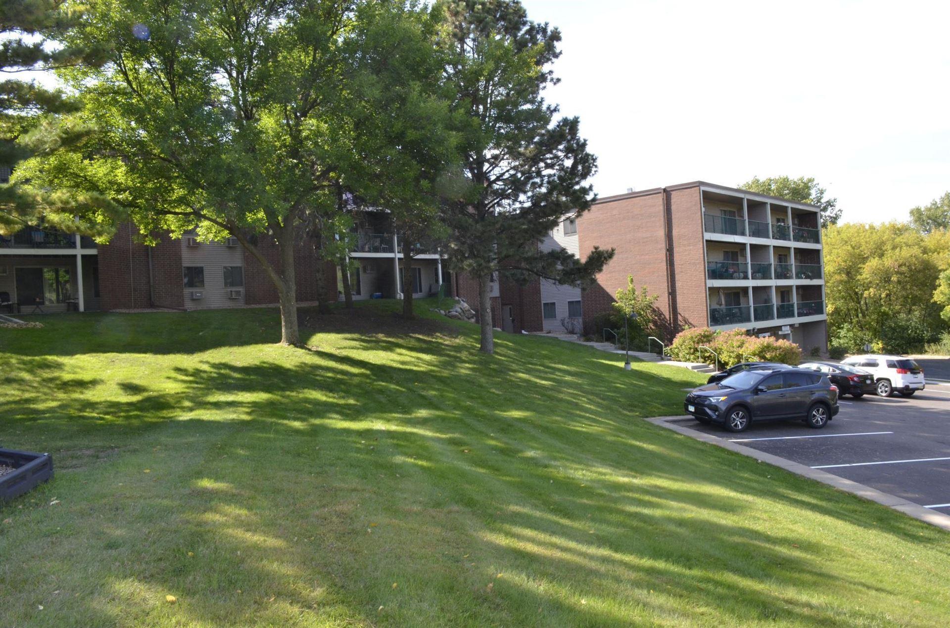 Photo of 1700 Four Oaks Road #121, Eagan, MN 55121 (MLS # 6102544)