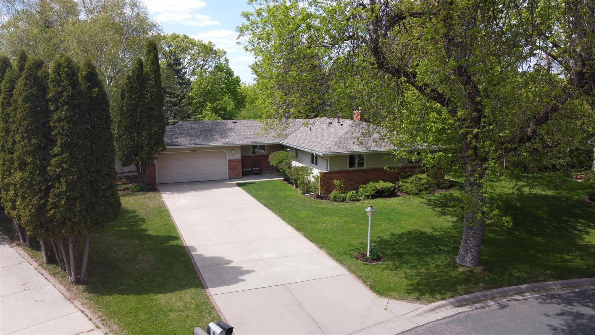 Photo of 10800 Hayes Drive, Burnsville, MN 55337 (MLS # 5758548)