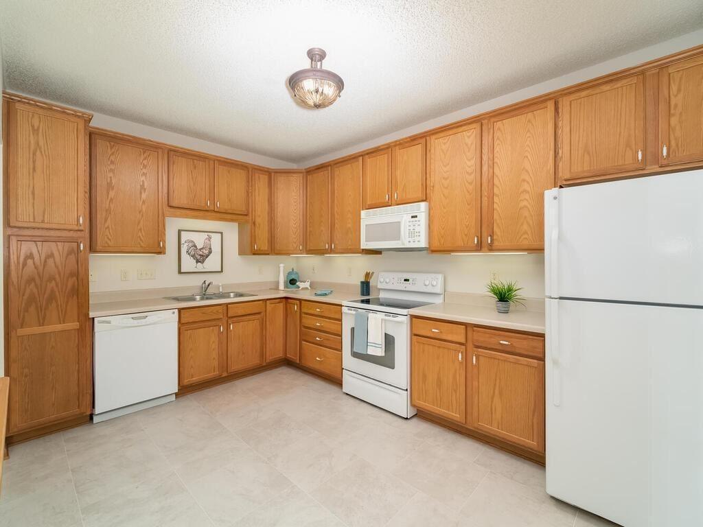 8341 Lyndale Avenue S #422, Bloomington, MN 55420 - #: 5671551