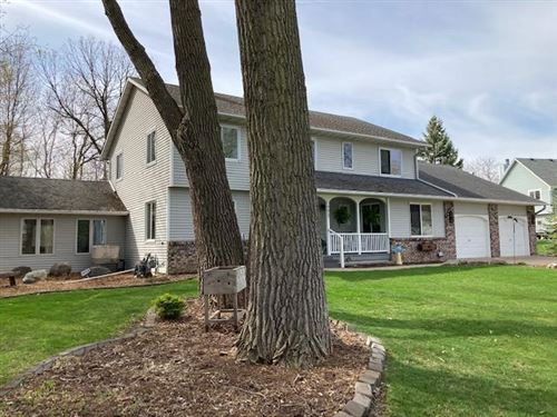 Photo of 4612 Bower Path, Inver Grove Heights, MN 55076 (MLS # 5737556)