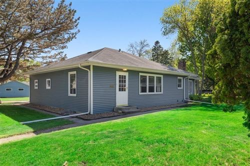 Photo of 984 County Road B2 W, Roseville, MN 55113 (MLS # 5569565)