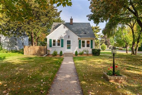 Photo of 721 Roselawn Avenue E, Maplewood, MN 55117 (MLS # 5663574)