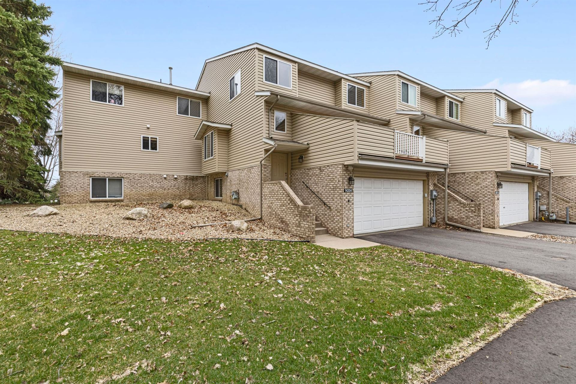 Photo of 14204 Hibiscus Court, Apple Valley, MN 55124 (MLS # 5739604)