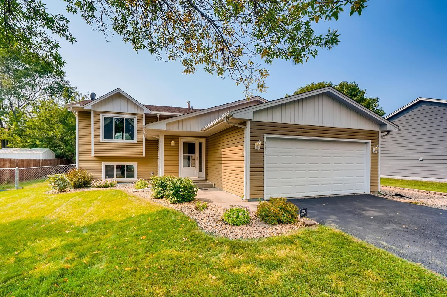 1208 Vierling Court, Shakopee, MN 55379 - MLS#: 5654619