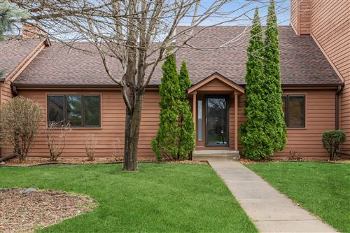 Photo of 27 Westchester Square, Burnsville, MN 55337 (MLS # 5735629)